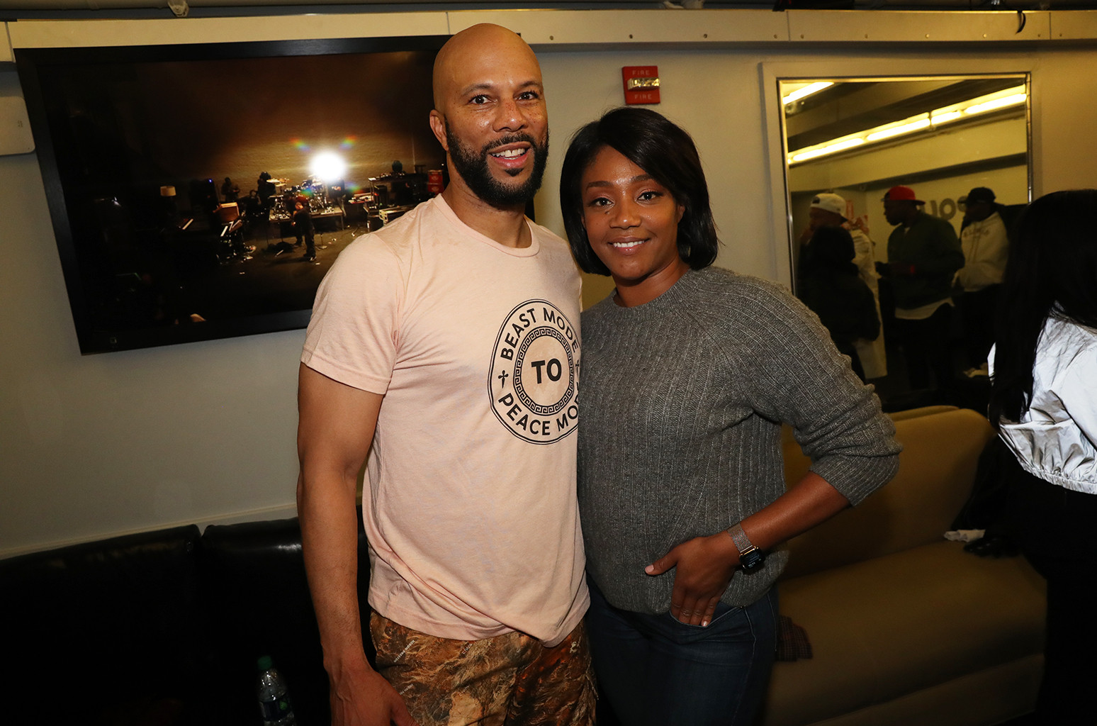 Tiffany haddish silhouette video with common 'set Twitter on fire'